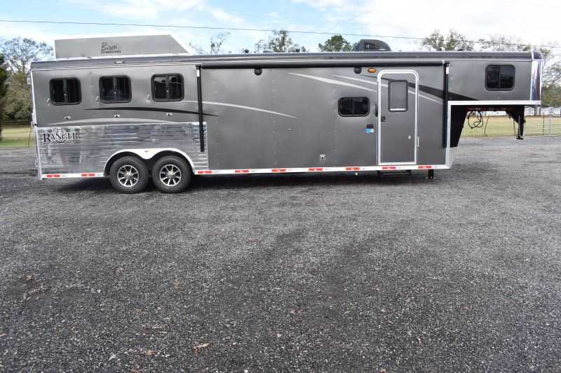#08900 - New 2019 Bison Ranger 8311SO 3 Horse Trailer  with 11' Short Wall