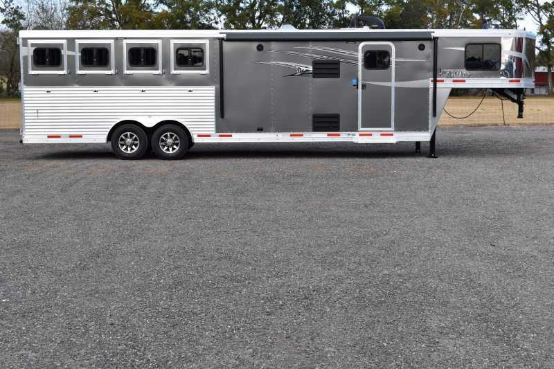 #01426 - New 2019 Lakota 8411SRLQ Charger 4 Horse Trailer with 11' Short Wall