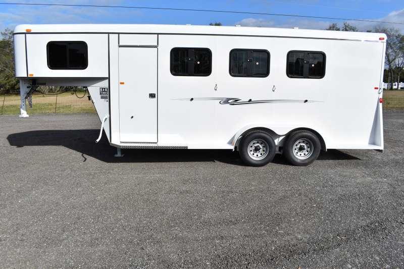 #77947 - New 2019 Bee 3HSLGNDLX 3 Horse Trailer with 4' Short Wall