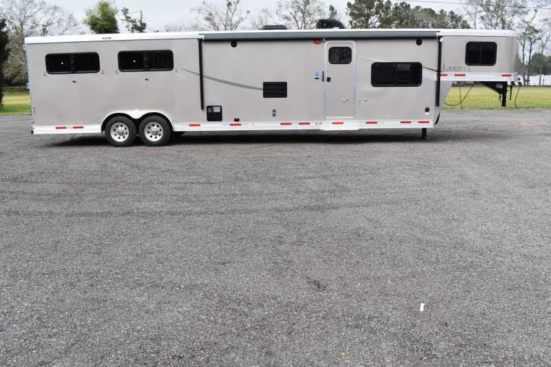 #01494 - New 2019 Lakota Colt 8415SO 4 Horse Trailer with 15' Short Wall