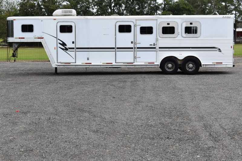 #10929 - Used 2001 Exiss 7308MTLQ 3 Horse Trailer with 8' Short Wall
