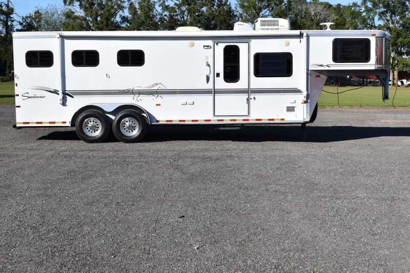 #A0456 - Used 2000 Sundowner Trailblazer II 3 Horse Trailer with 10' Short Wall