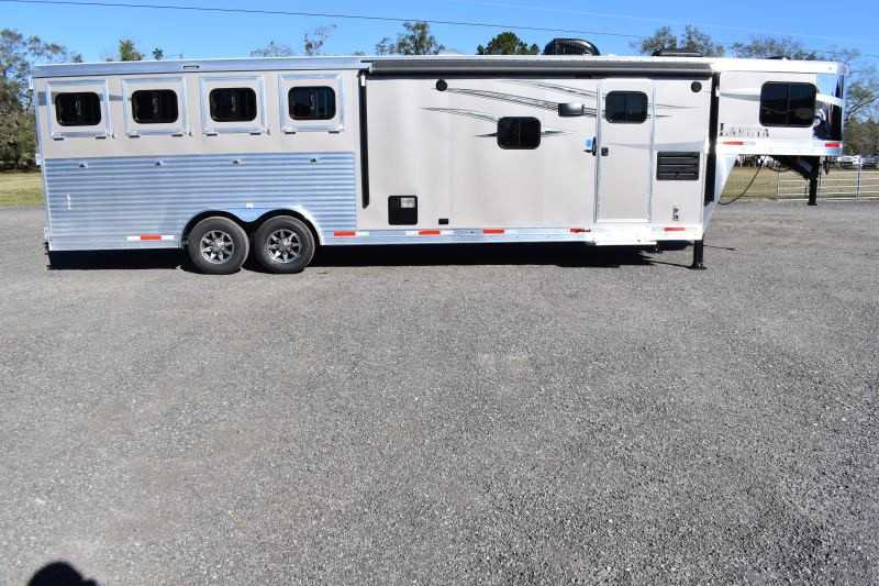#01563 - New 2019 Lakota Charger 8411RKLQ 4 Horse Trailer with 11' Short Wall