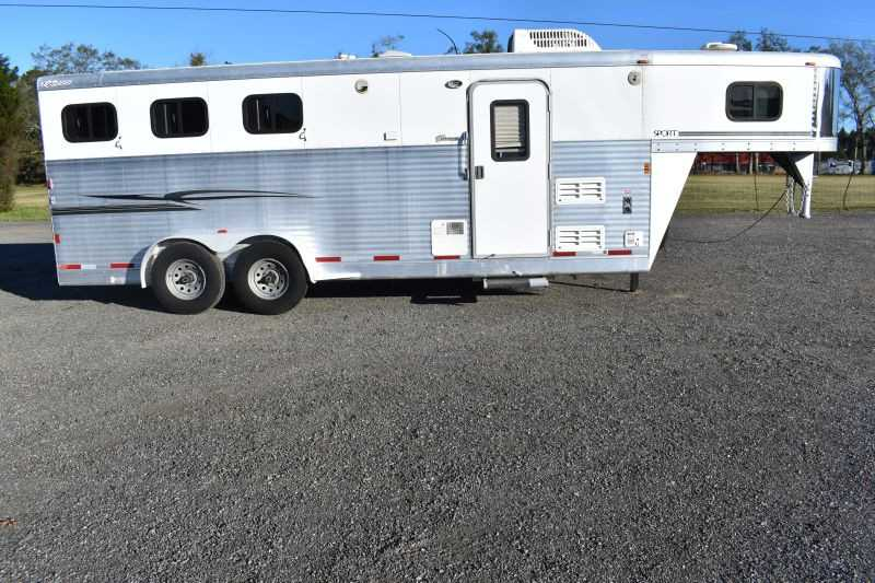#35932 - Used 2006 Exiss ES307EGLQ 3 Horse Trailer with 7' Short Wall