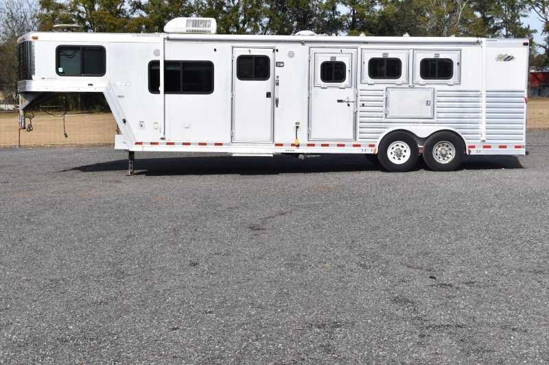 #97239 - Used 2002 Dreamcoach 3 Horse Trailer with 11' Short Wall