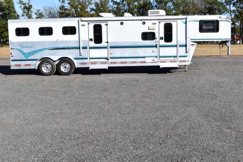 #A0088 - Used 1997 Sundowner 3H 3 Horse Trailer with 12' Short Wall