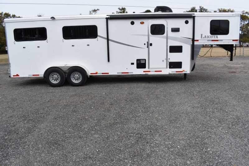 #00021 - Used 2018 Lakota 7407LQ 4 Horse Trailer with 7' Short Wall