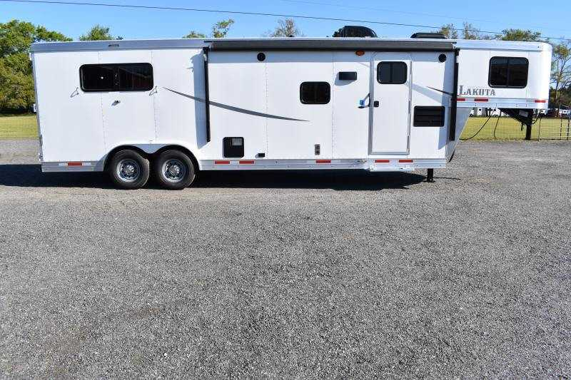 #00096 - New 2020 Lakota Colt 8311SO 3 Horse Trailer with 11' Short Wall