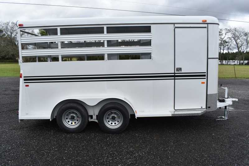 #77976 - New 2019 Bee 3HBPSL 3 Horse Trailer with 2' Short Wall