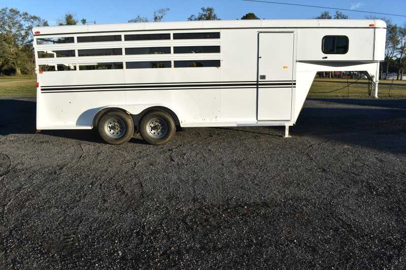 #77949 - Used 2015 Bee 7402GN 4 Horse Trailer with 1' Short Wall