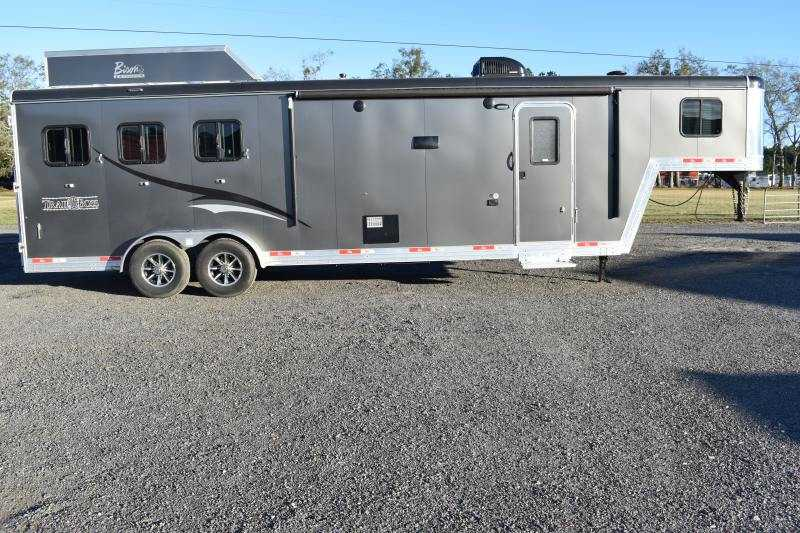 #07597 - Used 2018 Bison 7311SO 3 Horse Trailer  with 12' Short Wall