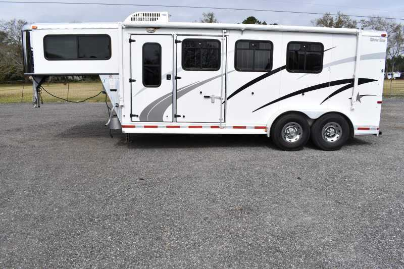 #03071 - Used 2005 Silver Star 304LQ 3 Horse Trailer with 4' Short Wall