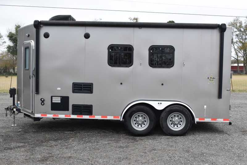 #00340 - Used 2016 Harmar Dixie Star 502DSBP 2 Horse Trailer  with 8' Short Wall