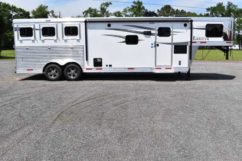 #00066 - New 2020 Lakota 8311RKGLQ Charger 3 Horse Trailer  with 11' Short Wall