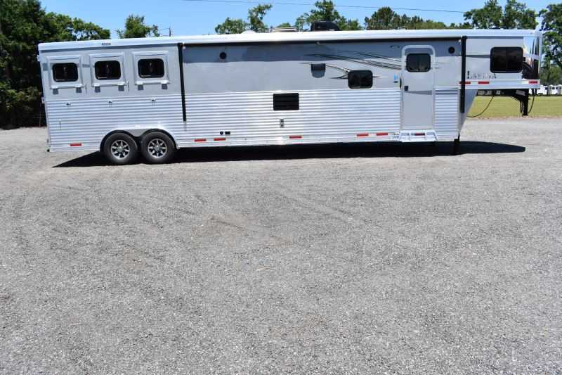 #00059 - New 2020 Lakota Charger 8317GLQ 3 Horse Trailer  with 17' Short Wall