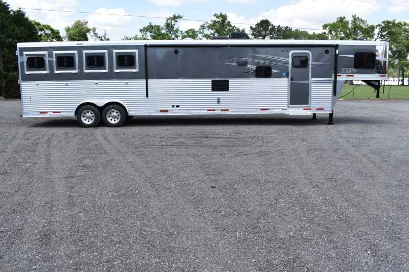 #00047 - New 2020 Lakota Charger 8417SRBBLQ 4 Horse Trailer  with 17' Short Wall