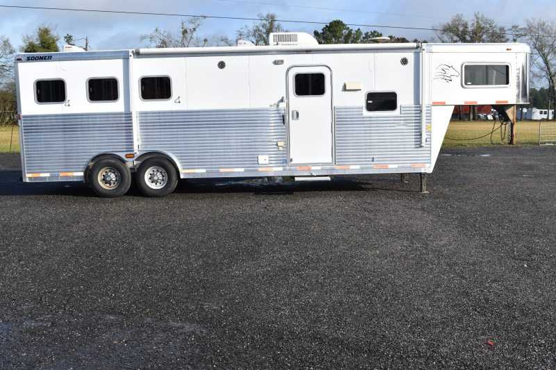 #32097 - Used 2005 Sooner 8310LQ 3 Horse Trailer with 11' Short Wall