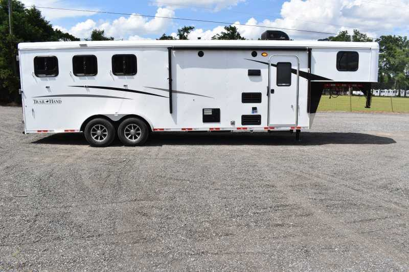 #09049 - New 2020 Bison Trail Hand 7309SO 3 Horse Trailer  with 9' Short Wall