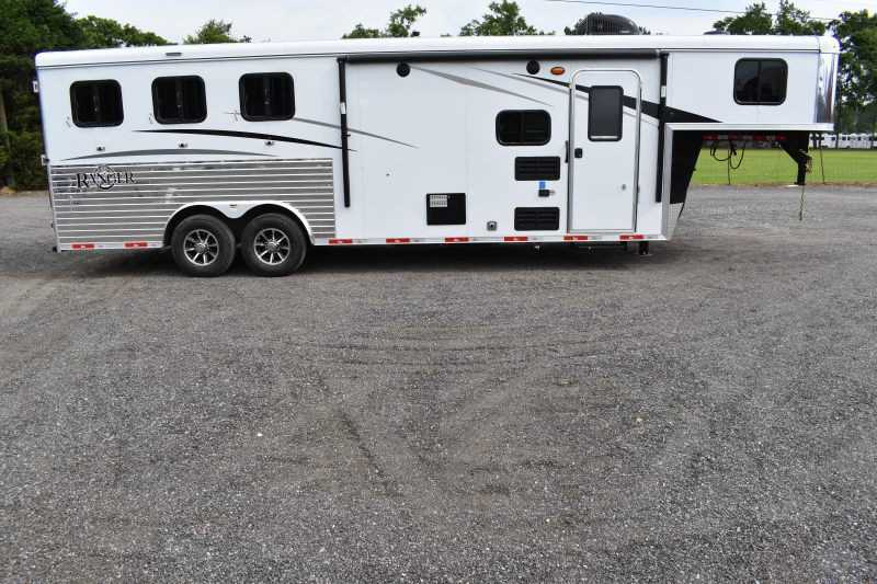 #09052 - New 2020 Bison Ranger 8309SO 3 Horse Trailer  with 9' Short Wall