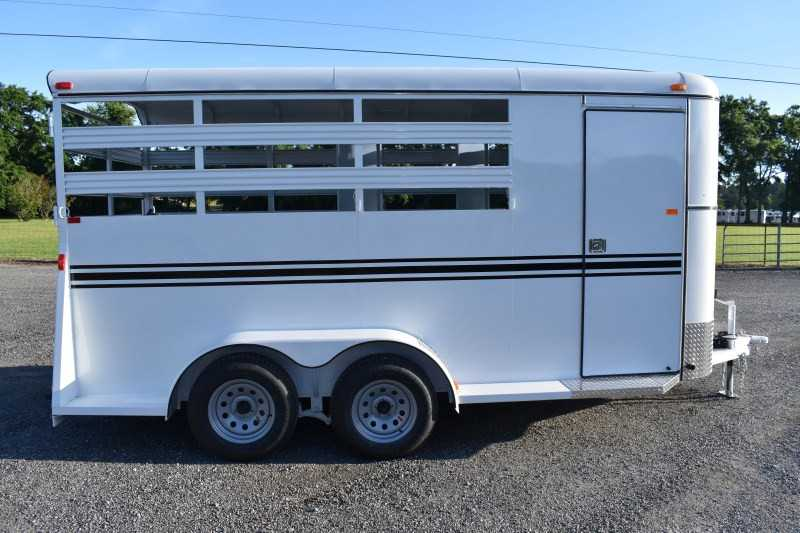#77006 - New 2019 Bee 3HBPSL 3 Horse Trailer  with 2' Short Wall