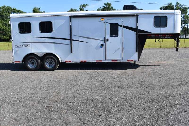 #09058 - New 2020 Bison Trail Hand 7207 2 Horse Trailer with 7' Short Wall