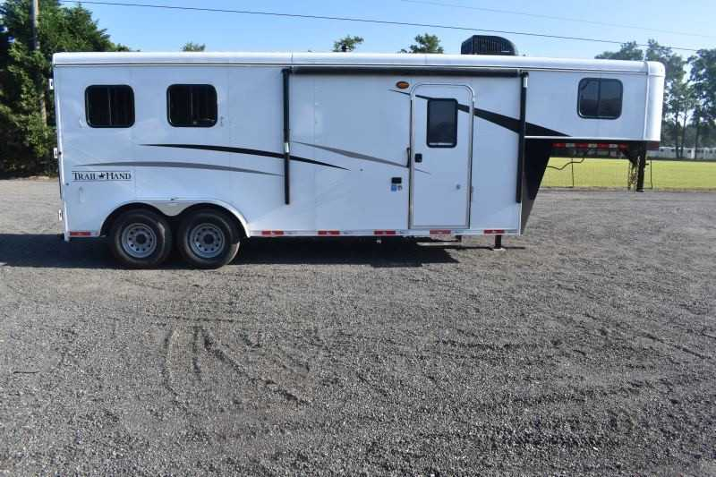#09059 - New 2020 Bison Trail Hand 7207 2 Horse Trailer with 7' Short Wall