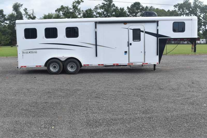 #09062 - New 2020 Bison Trail Hand 7307 3 Horse Trailer  with 7' Short Wall