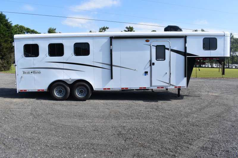 #09063 - New 2020 Bison Trail Hand 7307 3 Horse Trailer with 7' Short Wall