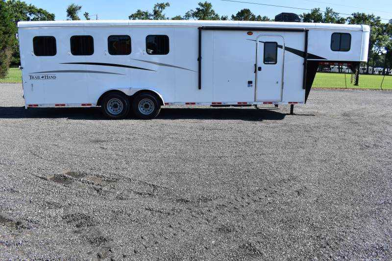 #09065 - New 2020 Bison Trail Hand 7407 4 Horse Trailer with 7' Short Wall