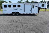 #09066 - New 2020 Bison Trail Hand 7407 4 Horse Trailer  with 7' Short Wall