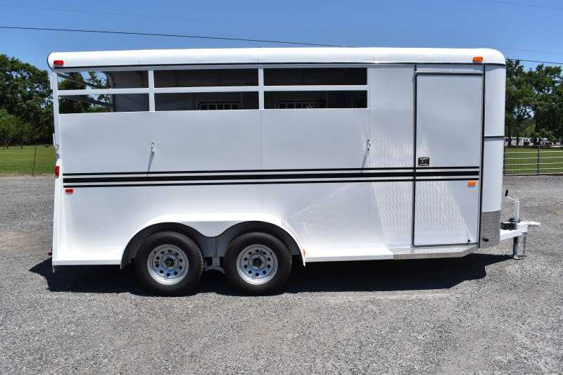 #77034 - New 2019 Bee 3HBPSLDLX 3 Horse Trailer  with 2' Short Wall