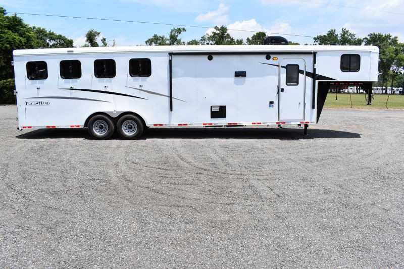 #09076 - New 2020 Bison Trail Hand 7411 4 Horse Trailer  with 10' Short Wall