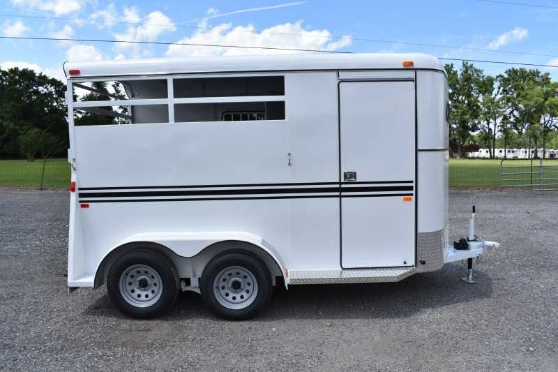 #77063 - New 2020 Bee 2HBPSLDLX 2 Horse Trailer  with 2' Short Wall