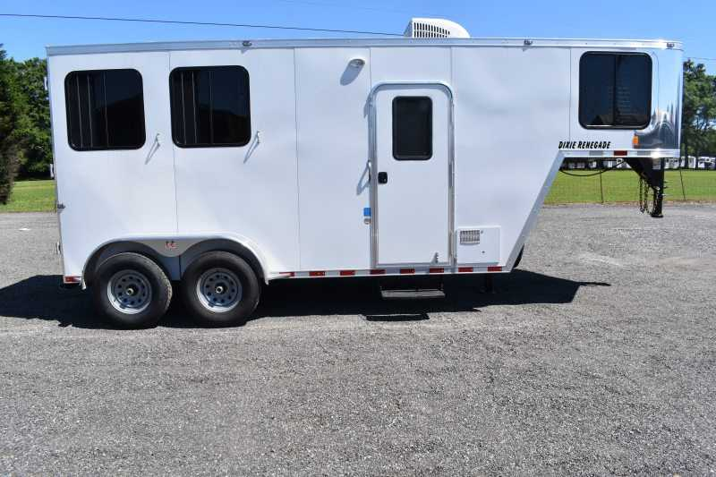 #00478 - New 2020 Harmar Dixie Renegade 7204LQ 2 Horse Trailer  with 4' Short Wall