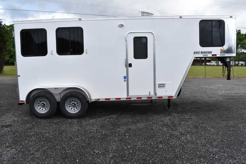 #00477 - New 2020 Harmar Dixie Renegade 7204LQ 2 Horse Trailer with 4' Short Wall