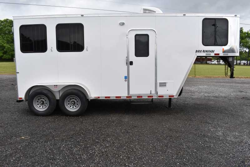 #00475 - New 2020 Harmar Dixie Renegade 7204LQ 2 Horse Trailer  with 4' Short Wall