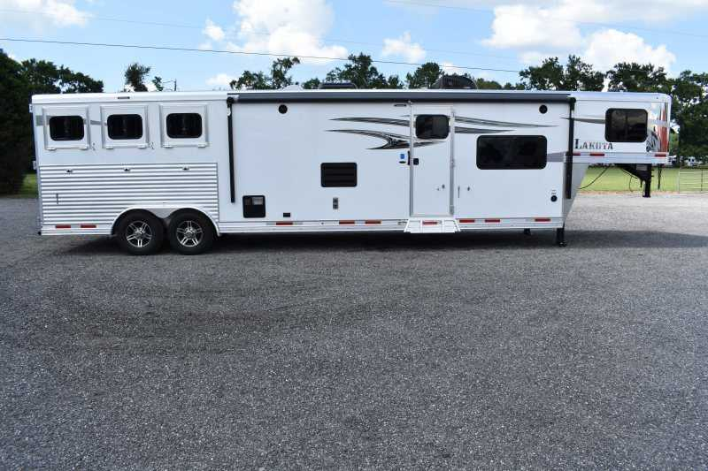 #00358 - New 2020 Lakota 8315RKBGLQ Charger 3 Horse Trailer  with 15' Short Wall