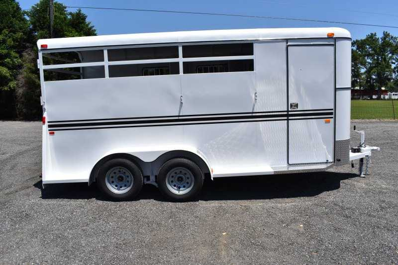 #77035 - New 2019 Bee 3HBPSLDLX 3 Horse Trailer  with 2' Short Wall