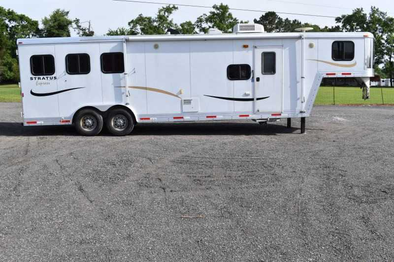 #09647 - Used 2008 Bison 8310 Stratus Express 3 Horse Trailer  with 10' Short Wall
