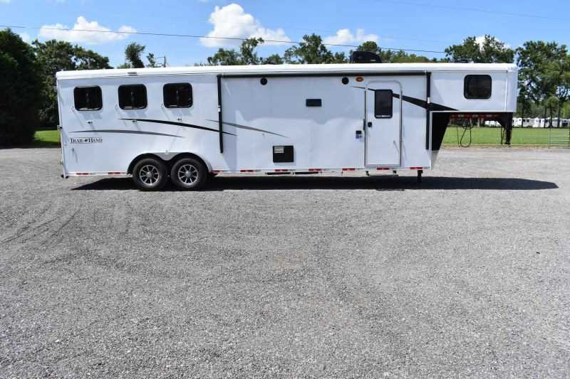 #09111 - New 2020 Bison Trail Hand 7311SO 3 Horse Trailer  with 11' Short Wall