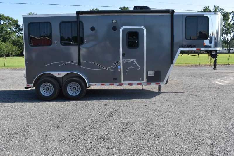 #00487 - New 2020 Harmar Dixie Outlaw 7204LQ 2 Horse Trailer  with 4' Short Wall
