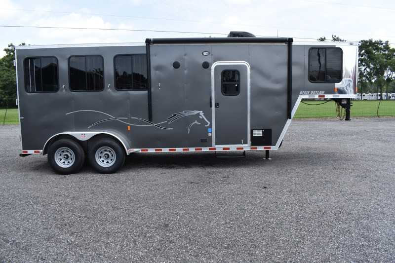 #00490 - New 2020 Harmar Dixie Outlaw 7304LQ 3 Horse Trailer  with 4' Short Wall
