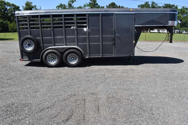 #44535 - Used 2018 Delta 7304GN 3 Horse Trailer with 2' Short Wall