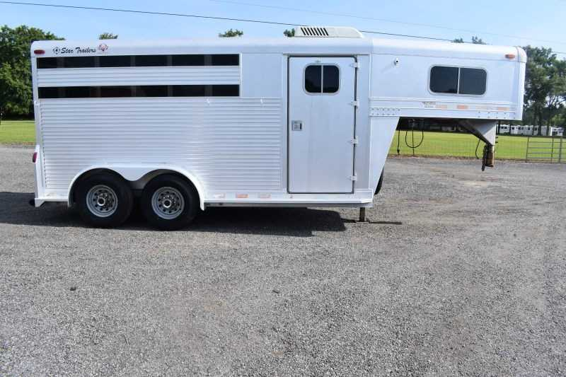 #11124 - Used 1997 4 Star 7302GN 3 Horse Trailer  with 2' Short Wall