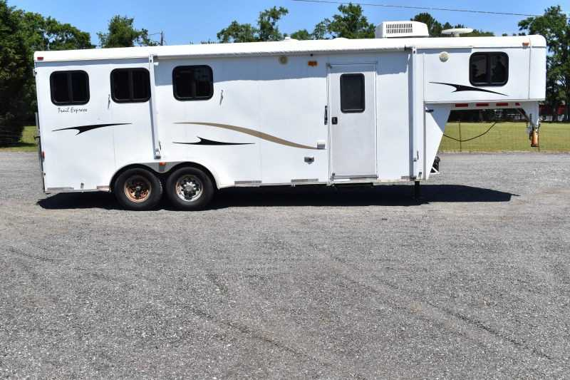 #09982 - Used 2008 Bison 7306TH 3 Horse Trailer  with 7' Short Wall