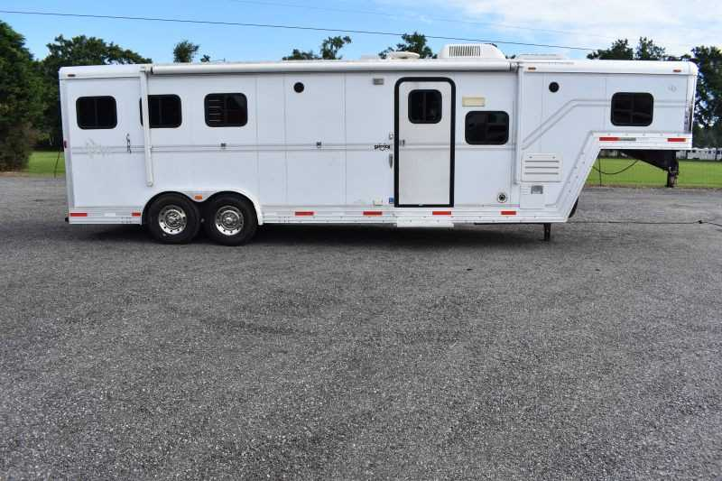 #25596 - Used 2004 Sidekick 8310 3 Horse Trailer  with 11' Short Wall