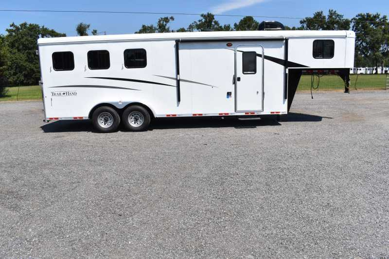 #09144 - New 2020 Bison Trail Hand 7307 3 Horse Trailer  with 7' Short Wall