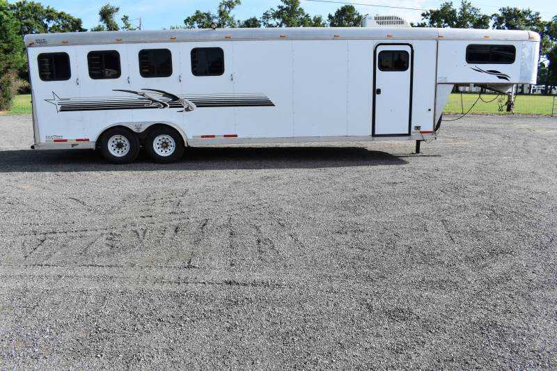 #13072 - Used 2004 Towlite 7406MTLQ 4 Horse Trailer  with 9' Short Wall