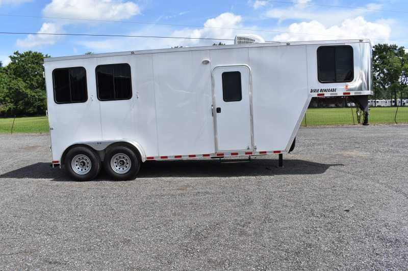 #00406 - Used 2019 Harmar 7206LQ 2 Horse Trailer  with 6' Short Wall