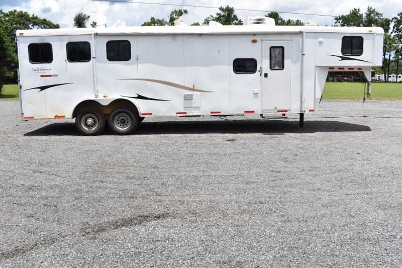 #00606 - Used 2010 Bison 8310TE 3 Horse Trailer  with 11' Short Wall